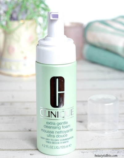 Clinique-Extra-Gentle-Cleansing-Foam-review